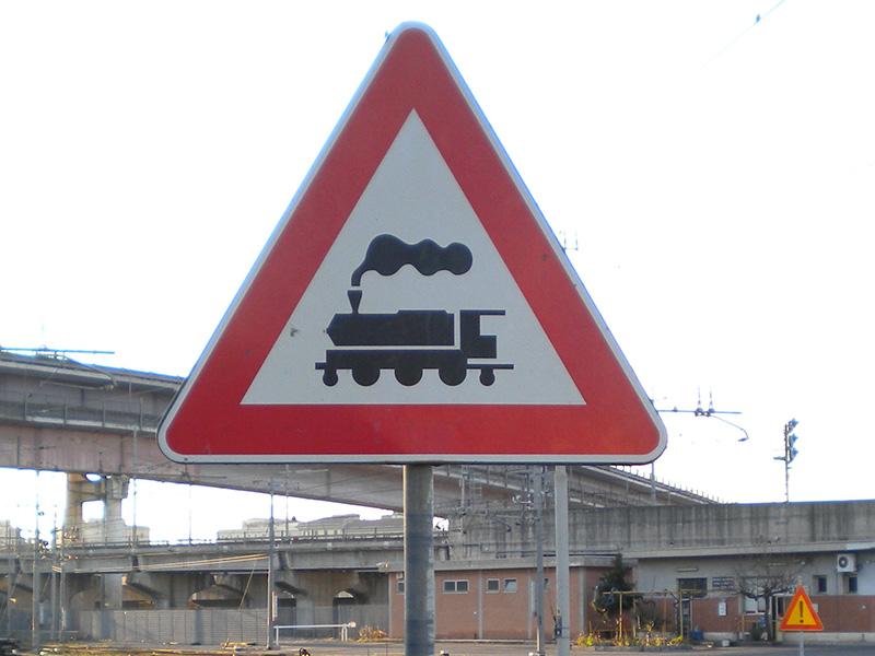 Cartello Pericolo treni