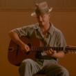 Sean Penn alla chitarra in Accordi e disaccordi