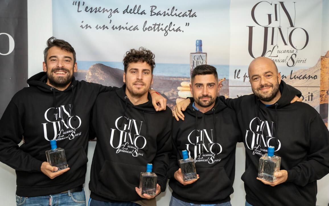 Conosciamo Leonardo Lufrano, 30 anni, socio di ge-nu-ì-noe & GinUino. Insieme ai suoi soci produce gin lucano artigianale!
